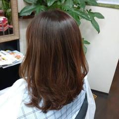 ミディアムレイヤー ブラウンベージュ ミディアム ナチュラル ヘアスタイルや髪型の写真・画像