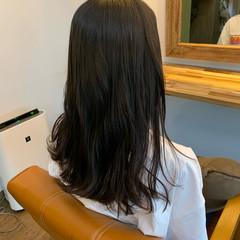 レイヤーロングヘア 大人ロング ナチュラル ロングヘア ヘアスタイルや髪型の写真・画像