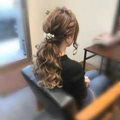 ポニーテールアレンジ ロング ローポニーテール ねじり ヘアスタイルや髪型の写真・画像