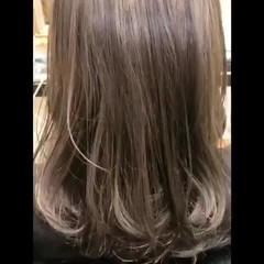 透明感カラー セミロング ナチュラル ブリーチカラー ヘアスタイルや髪型の写真・画像