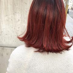 ストリート 外国人風 ミディアム レッドカラー ヘアスタイルや髪型の写真・画像