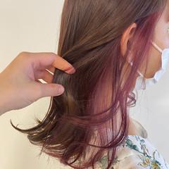 ベリーピンク ラベンダー ナチュラル セミロング ヘアスタイルや髪型の写真・画像
