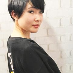 大人女子 黒髪 ナチュラル かっこいい ヘアスタイルや髪型の写真・画像