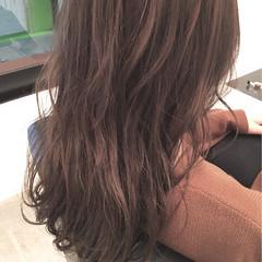 ストリート グレージュ セミロング 外国人風 ヘアスタイルや髪型の写真・画像