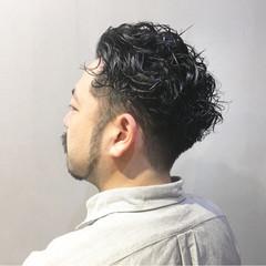ナチュラル 無造作パーマ スパイラルパーマ ハンサムバング ヘアスタイルや髪型の写真・画像
