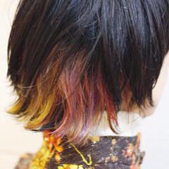ミディアム ウルフカット カラフルカラー ストリート ヘアスタイルや髪型の写真・画像