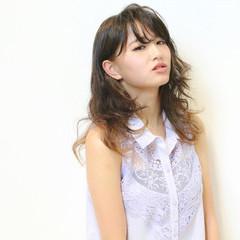 ピュア 波ウェーブ 渋谷系 ミディアム ヘアスタイルや髪型の写真・画像