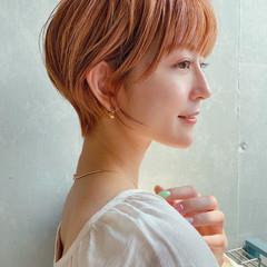 丸みショート マッシュショート ナチュラル オレンジカラー ヘアスタイルや髪型の写真・画像