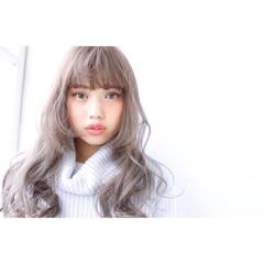 シルバーアッシュ 外国人風カラー ハイトーン アッシュグレージュ ヘアスタイルや髪型の写真・画像