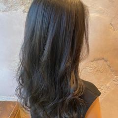 巻き髪 小顔 レイヤーカット エレガント ヘアスタイルや髪型の写真・画像