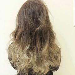 外国人風 ガーリー ロング グラデーションカラー ヘアスタイルや髪型の写真・画像