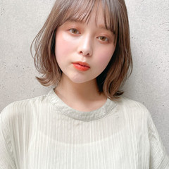 インナーカラー 小顔ヘア 鎖骨ミディアム ミディアム ヘアスタイルや髪型の写真・画像