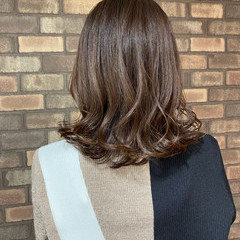 前髪 ナチュラル グレージュ イルミナカラー ヘアスタイルや髪型の写真・画像