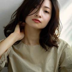 リラックス 色気 大人女子 ナチュラル ヘアスタイルや髪型の写真・画像