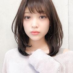 ミディアム 毛先パーマ ミディアムレイヤー 大人ミディアム ヘアスタイルや髪型の写真・画像