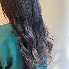 シルバーアッシュ シルバー グレーアッシュ ロング ヘアスタイルや髪型の写真・画像