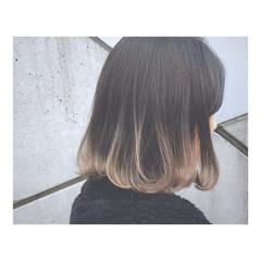 春 グレージュ ストリート ボブ ヘアスタイルや髪型の写真・画像