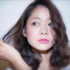 黒髪 ピュア くせ毛風 ナチュラル ヘアスタイルや髪型の写真・画像
