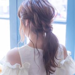 リラックス ウェーブ ヘアアレンジ フェミニン ヘアスタイルや髪型の写真・画像