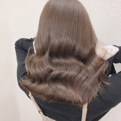 ナチュラル ミディアム 透明感カラー グレージュ ヘアスタイルや髪型の写真・画像