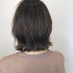 ナチュラル 大人かわいい 3Dハイライト グレージュ ヘアスタイルや髪型の写真・画像