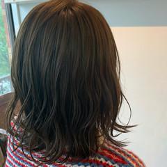 透明感カラー 外ハネ ミディアム 大人可愛い ヘアスタイルや髪型の写真・画像