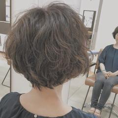 ゆるふわ ショート ナチュラル パーマ ヘアスタイルや髪型の写真・画像