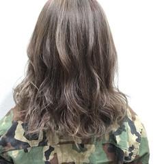 ダブルカラー ミディアム ストリート アッシュ ヘアスタイルや髪型の写真・画像