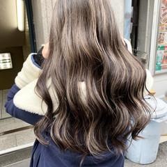 3Dハイライト 極細ハイライト セミロング ストリート ヘアスタイルや髪型の写真・画像