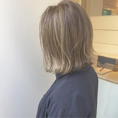 外ハネ アッシュ 透明感 ボブ ヘアスタイルや髪型の写真・画像