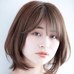 ショートボブ ナチュラル レイヤーボブ レイヤーヘアー ヘアスタイルや髪型の写真・画像