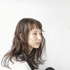 ショートバング 暗髪 ロング 無造作 ヘアスタイルや髪型の写真・画像