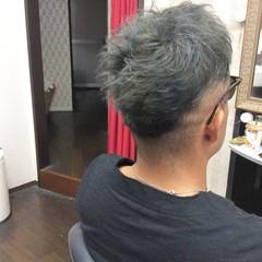 ショート メンズヘア メンズカラー シルバーグレー ヘアスタイルや髪型の写真・画像