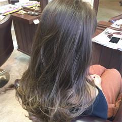 アッシュ グラデーションカラー ハイライト ロング ヘアスタイルや髪型の写真・画像