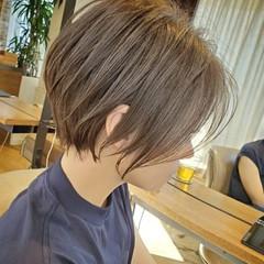 ショートヘア ショート ハンサムショート グレージュ ヘアスタイルや髪型の写真・画像