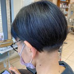 大人女子 刈り上げショート 刈り上げ女子 ナチュラル ヘアスタイルや髪型の写真・画像
