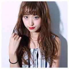ロング 女子会 ウェットヘア リラックス ヘアスタイルや髪型の写真・画像