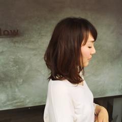 レイヤーカット 大人かわいい 大人女子 ナチュラル ヘアスタイルや髪型の写真・画像