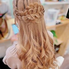 ガーリー 編み込み 編み込みヘア 簡単ヘアアレンジ ヘアスタイルや髪型の写真・画像