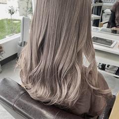 セミロング 透明感カラー ナチュラル ナチュラルグラデーション ヘアスタイルや髪型の写真・画像