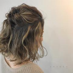 簡単ヘアアレンジ ショート ミディアム エレガント ヘアスタイルや髪型の写真・画像