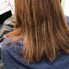 ミディアム グレージュ イルミナカラー ナチュラル ヘアスタイルや髪型の写真・画像