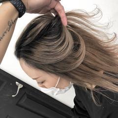 ミディアム 前下がり 外国人風カラー クリームブロンド ヘアスタイルや髪型の写真・画像