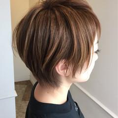 ショート ブラウンベージュ ハイライト ベージュ ヘアスタイルや髪型の写真・画像