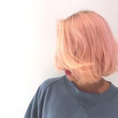 ストリート ボブ パステルカラー かき上げ前髪 ヘアスタイルや髪型の写真・画像