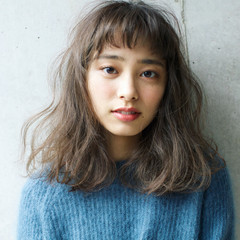 外国人風 外国人風カラー フェミニン ミディアム ヘアスタイルや髪型の写真・画像