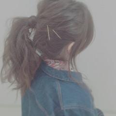 ポニーテール セルフヘアアレンジ ヘアアレンジ ゆるふわ ヘアスタイルや髪型の写真・画像