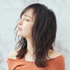 ナチュラル セミロング 韓国風ヘアー ミディアムレイヤー ヘアスタイルや髪型の写真・画像