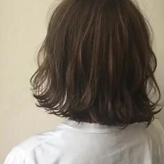 ウェーブ ヘアアレンジ ナチュラル ハイライト ヘアスタイルや髪型の写真・画像