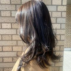 ナチュラルベージュ 透明感カラー セミロング レイヤースタイル ヘアスタイルや髪型の写真・画像